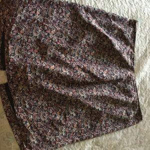 Silk skirt. Morons back slit and zipper